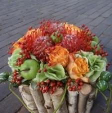 Bij 't Festoentje vind je dus altijd een ruim aanbod aan bloemstukken, die je meteen kan kopen of die je ook later kan laten bezorgen. Wil je liever zelf een bloemstuk samenstellen? Geen probleem: het is eveneens perfect mogelijk om bloemstukken op
